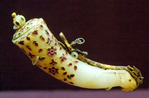 gunpowder_horn_india_louvre